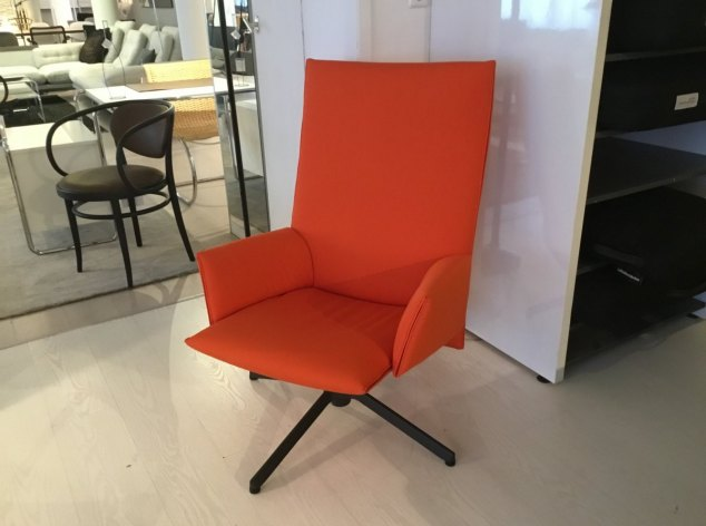 Pilot Chair Knoll International